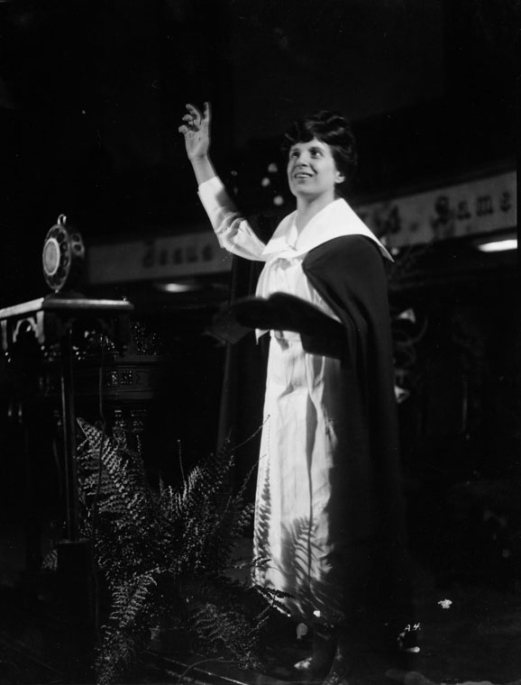 aimee mcpherson Aimee semple mcpherson foursquare phenomenon current issue aimee was born in october 1890, to james and minnie kennedy, a methodist and a salvation army devotee respectively, in.