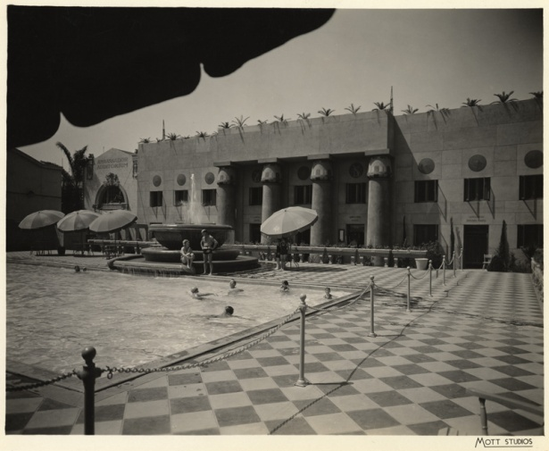 ambassador_hotel_pool_plunge_1920s_los_angeles