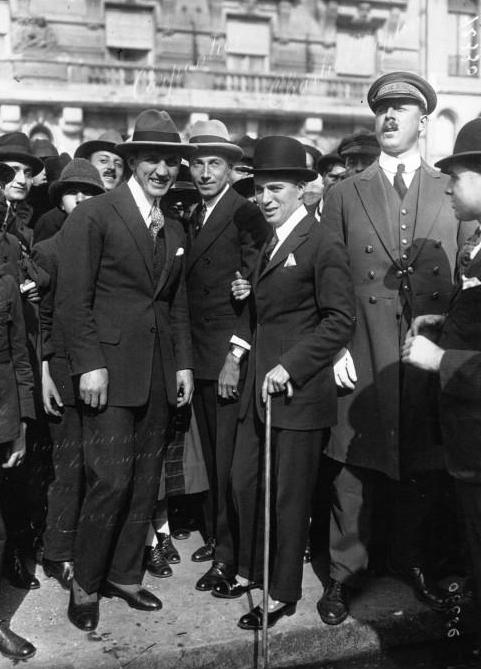 Georges_Carpentier,_Charlie_Chaplin,_1921