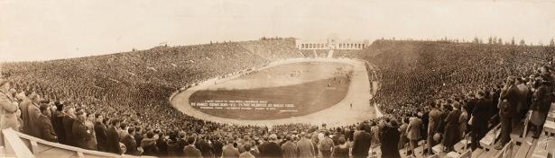1926_chicago_bears_Los_angeles_tigers_memorial_coliseum
