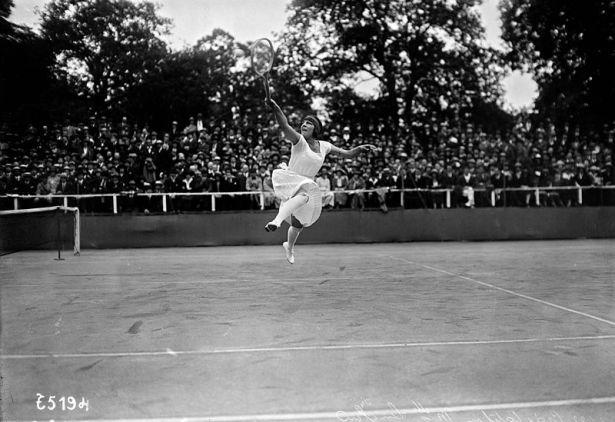 Suzanne_Lenglen_1922