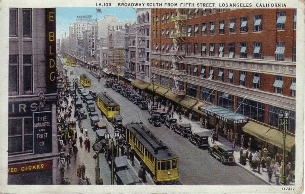Broadway_and_Fifth_St._los_angeles_walker's_department_store
