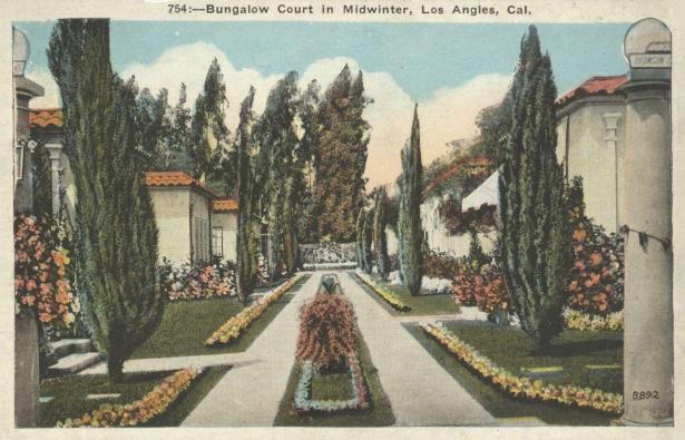 bungalow_court_los_angeles