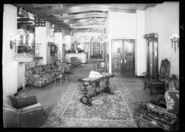 Teris Hotel lobby