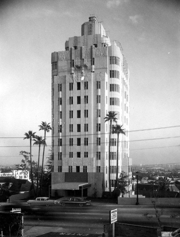 Sunset_Tower_1955