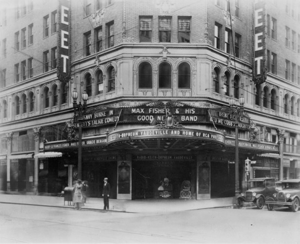 The Hillstreet Theater c. 1928. Later taken over by R.K.O. LAPL