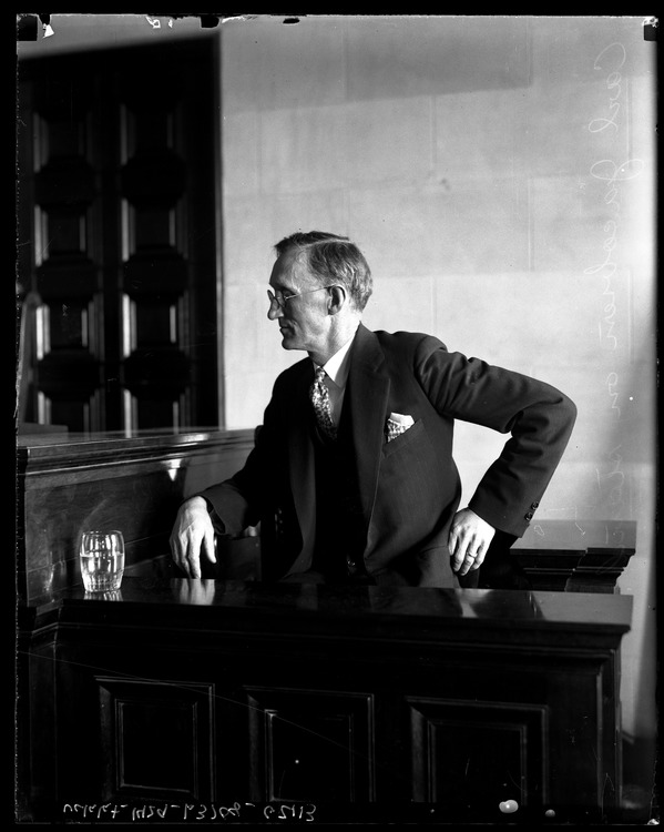 Carl Jacobson on the witness stand, 1929. UCLA digital.