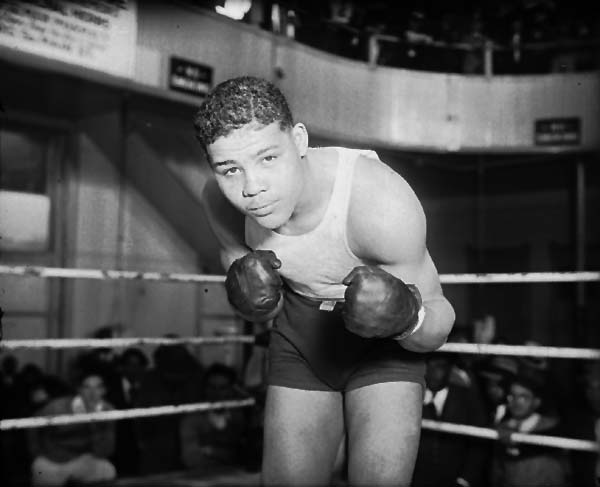 Joe Louis in the ring at Main Street Gym c. 1939. Winkler Collection, Notre Dame.